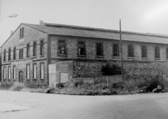 Fig.2_El_edificio_de_Cuatrovientos_antes_de_la_reforma.Anos_80_